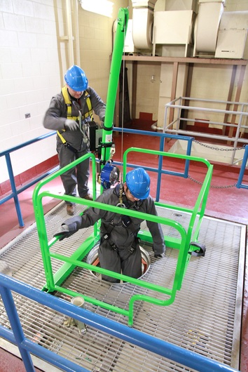 DBI SALA Davit Guard 8350352 Confined Space Guard Fall Protection System Helps Maintain A Safe Work Environment